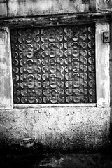 (k-pisit) Tags: bw iphone