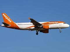 Photo of EasyJet | Airbus A320-214 | G-EZTG
