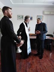 26 января 2020, Студентки регентской школы и клирики Преображенского храма поздравили медиков с праздником Крещения