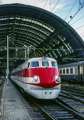 FS ETR450 Milano Centrale 23/09/1988 (stefano.trionfini) Tags: train treni bahn zug fs etr450 pendolino milano lombardia italia italy