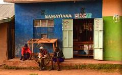 Kenya- near Maralal (venturidonatella) Tags: africa kenya maralal colori colors nikon nikond500 d500 street strada streetphotography streetscene streetlife persone people gentes gente negozio shop portraits ritratti streetportraits samburu