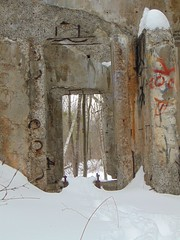 Through two openings (Quevillon) Tags: canada québec laurentides thérèsedeblainville blainville park boiséduplanbouchard campbouchard secondeguerremondiale ammunitionfillingplant secondworldwar vestige