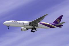 HS-TJS B772 THAI AIRWAYS YBBN (Sierra Delta Aviation) Tags: thai airways boeing b772 brisbane airport ybbn hstjs