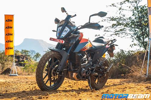 KTM-390-Adventure-1