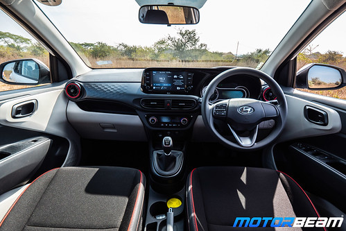 2020-Hyundai-Aura-30
