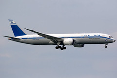 EL AL | Boeing 787-9 | 4X-EDF | retro livery | Hong Kong International (Dennis HKG) Tags: elal ely ly israel retro aircraft airplane airport plane planespotting canon 7d 100400 hongkong cheklapkok vhhh hkg 4xedf boeing 787 7879 boeing787 boeing7879 dreamliner