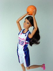 Playing basketball 🏀 (Deejay Bafaroy) Tags: barbie madetomove mtm tall basketball doll puppe mattel ball orange blue blau white weiss pink