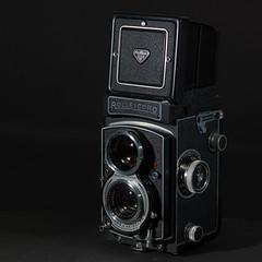 Rolleicord Vb Type I (III) (Maximilian Busl) Tags: bayern deutschland hof camera film rollei analog mediumformat hasselblad rolleicord 500cm cfv50c stilllife