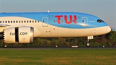 G-TUII (AnDyMHoLdEn) Tags: thomson tui 787 dreamliner egcc airport manchester manchesterairport 05r