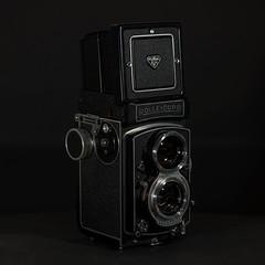 Rolleicord Vb Type I (I) (Maximilian Busl) Tags: hof bayern deutschland camera stilllife film rollei analog mediumformat hasselblad rolleicord 500cm cfv50c