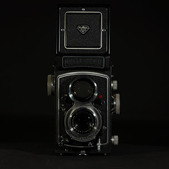 Rolleicord Vb Type I (II) (Maximilian Busl) Tags: bayern deutschland hof camera film rollei analog mediumformat hasselblad rolleicord stilllife 500cm cfv50c