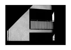 balcony in shadow frame (Armin Fuchs) Tags: arminfuchs lavillelaplusdangereuse würzburg balcony shadows diagonal
