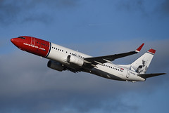 SE-RRB Boeing B737-8JP EGPH 27-01-20 (MarkP51) Tags: plane airplane scotland airport edinburgh image aircraft edi airliner egph markp51 sunshine nikon sunny d750 nikonafp70300fx le nsw boeing b737 b7378jp norwegianairsweden serrb