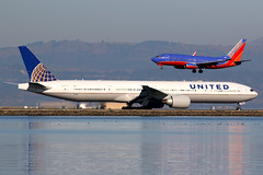 United Airlines   Boeing 777-300ER   N2135U   San Francisco International (Dennis HKG) Tags: aircraft airplane airport plane planespotting staralliance canon 7d 100400 sanfrancisco ksfo sfo n2135u united unitedairlines ual ua usa boeing 777 777300 boeing777 boeing777300 777300er boeing777300er