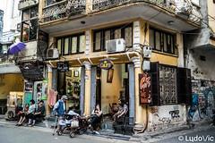 Hanoi's café (Lцdо\/іс) Tags: hànội hanoi café street rue viêtnam vietnam ville citytrip city life vie voyage travel trip asia asian asie asiatique southeast southeastasia lцdоіс old oldcity town quarter vieux quartier explore outdoor