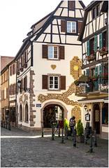 229- TODO EL ENCANTO DE LA ALSACIA- KAYSERSBERG - FRANCIA - (--MARCO POLO--) Tags: pueblos edificios casas arquitectura rincones ventanas soportales