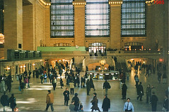 New York City  - Manhattan - Grand Central Station - Auditorium Area With Iconic Clock  - 1985 (Onasill ~ Bill Badzo - 68 Million Views) Tags: nyc newyork city manhattan grandcentralstation clock auditorium nrhp landmark vanderbilt rwy depot station attraction tourist selfies vintage old photo travel mustsee people downtown gold staircase architecture style beaux arts