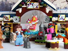 Snow Concert (back2s0ul) Tags: lego friends snow resort ice rink wizard oz emmet wyldstyle lucy movie minifigures minifigs dorothy scarecrow toto tinman lion