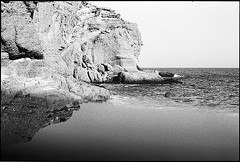 f80_119_31 (Ghostwriter D.) Tags: kreta crete 2018 nikonf80 blackandwhite blackwhite analog film greece iponemirror