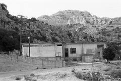 f80_119_26 (Ghostwriter D.) Tags: kreta crete 2018 nikonf80 blackandwhite blackwhite analog film greece agiosioannis