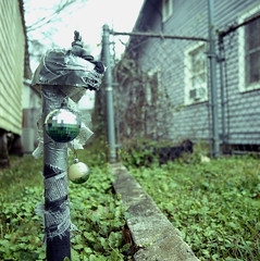 022 2020-01-20 (kccornell) Tags: 2020 366 365 120 6x6 medium format film hasselblad 500c kodak portra 400 neighborhood freetown port rico faucet christmas decorations lafayette louisiana