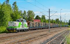 Freight train T5434 (Arttu Uusitalo) Tags: vr finnishrailways diesel locomotive dr16 freight train t5434 central ostrobothnia kälviä kokkola finland summer sunny morning blue sky railway railroad railyard nikon d7000
