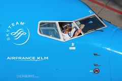 KLM PH-BXW 24-9-2016 (Enda Burke) Tags: avgeek aviation airplane airport apron klm klmroyaldutchairlines boeing boeing737 skyteam airfranceklm airfrance eham ams amsterdam holland phbxw canon canon7dmk2 cockpit flight flightdeck flying fly travel taxiing taxiway pilot