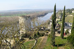 Chinon, the Vienne river under the royal fortress and castle (Sokleine) Tags: frenchheritage castle fortress château forteresse royal middleages medieval monumenthistorique history chinon indreetloire 37 centrevaldeloire touraine france heritage patrimoine