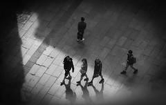 Cada cabeza es un mundo. (Elena m.d. 13M views.) Tags: street urbana 2019 madrid monocromo bw bn people nikon d5600 sigma105