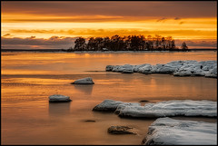 Winter Sunset (Jonas Thomén) Tags: winter vinter sunset solnedgång snow snö is ice kurudden storsandsgrundet moln clouds water vatten seascape hav havet sea orange hdr