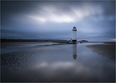 Say Hi (markrd5) Tags: wales talacre leaningone lighthouse pointofayrlighthouse beach sea shells clouds sunset longexposure le bigstopper dullboring clichedlifeless cantbearsedwithanaccent