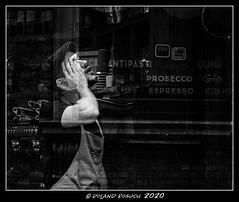 Prosecco? Espresso? - decsions, decisions! (Roland Bogush) Tags: sonyrx100mk7 cambridge blackwhite