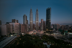 High View (bdrc) Tags: klcc landmark kualalumpur sony sonyimages sonyalpha sonyphotography sonyuniverse alphauniverse alphauniversemy a7iii a7m3 asdgraphy malaysia malaysianphotographer city urban capital landscape buildings structure street traders hotel asia