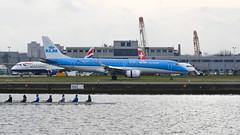 KLM Cityhopper Embraer 190 PH-EZY (andrewpeeluk) Tags: phezy klm klmcityhopper embraer embraer190 e190 londoncityairport lcy