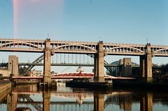 Bridges over the Tyne // Newcastle (kjieiylv94) Tags: olympus om1 fujifilm superiaxtra film newcastle