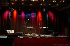 Jazzit Musik Club Salzburg (jazzfoto.at) Tags: sonyalpha sonyalpha77ii sonya77m2 sony wwwjazzfotoat wwwjazzitat jazzitmusikclubsalzburg jazzitmusikclub jazzfoto jazzphoto jazzphotographer markuslackinger jazzinsalzburg jazzclubsalzburg jazzkellersalzburg jazzclub jazzkeller jazz jazzlive livejazz konzertfoto concertphoto liveinconcert stagephoto greatjazzvenue downbeatgreatjazzvenue salzburg salisburgo salzbourg salzburgo austria autriche blitzlos ohneblitz noflash withoutflash concert konzert concerto concierto