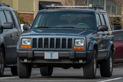 2001 Jeep Cherokee (mlokren) Tags: car photo spotting 2020 pictures oregon photography pacific northwest photos pics picture pic pnw pacnw usa outdoors automobile outdoor automotive vehicles transportation vehicle automobiles psa fca vehicular 2001 blue sport jeep cherokee chrysler mopar amc suv