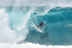 Playing in the pipeline (Van-Herman) Tags: pipeline wave competition pro surf surfing banzaipipeline sunsetbeach hawaii northshore bigwave surfer pipe line board extreme sport big ohau waialua