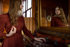 Reflect your thoughts (darka.nl) Tags: girl mirror photoshoot beauty vintage