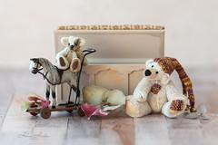 Bonnie Bears (hehaden) Tags: teddybear miniature handmade maggiespackman minikins box blanketbox dollhouse driedflowers hydrangea tabletop stilllife smileonsaturday horse toy bears bonniebears