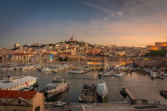 Marseille Vieux Port (J-Marc) Tags: marseille pose longue nuit panorama lumière ville centre monument canon 550d vieux port mucem filé automobile