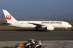 Japan Airlines | Boeing 787-8 | JA834J | Hong Kong International (Dennis HKG) Tags: aircraft airplane airport plane planespotting oneworld canon 7d 24105 hongkong cheklapkok vhhh hkg ja834j japanairlines jal jl japan boeing 787 7878 boeing787 boeing7878 dreamliner
