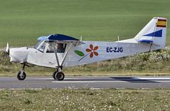 Aeródromo de Igualada-Odena. LEIG (Josep Ollé) Tags: ultraligero ultalleuger untralight avión aviación aviation plane eczjg pista runway aeródromo aairfield