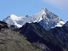L'Obergabelhorn (4.063 m) (giorgiorodano46) Tags: agosto2008 august 2008 giorgiorodano grimentz moiry svizzera alpisvizzere suisseromande suisse romandie valdanniviers anniviers alps alpi alpes alpen alpesvalaisannes alpipennine switzerland swissalps schweiz vallese valais wallis