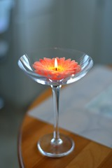 (l i v e l t r a) Tags: df f16 58mm naturallight table votive candle flame crystal design flower wax bokeh