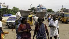 Marché de fleurs à Madurai (richard.hebert68) Tags: sony 24240mm inde