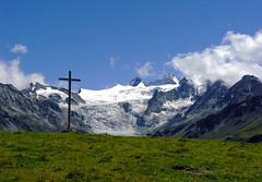 La croix de Moiry (2.480 m) (giorgiorodano46) Tags: agosto2008 august 2008 giorgiorodano grimentz moiry svizzera alpisvizzere suisseromande suisse romandie valdanniviers anniviers alps alpi alpes alpen alpesvalaisannes alpipennine switzerland swissalps schweiz vallese valais wallis
