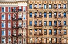 Stairs and windows (ricardocarmonafdez) Tags: newyork manhattan cityscape escaleras stairs ventanas windows patrones patterns nikon d850 ricardocarmonafdez
