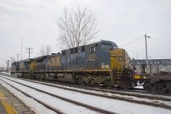 CSXT 572 trailing (Michael Berry Railfan) Tags: cn canadiannational cn327 dorval montreal train freighttrain csx csxt csxt5467 csxt572 ac4400cw es40dc es44dc