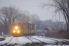 Intermodal up front (Michael Berry Railfan) Tags: cn canadiannational cn327 dorval montreal train freighttrain csx csxt csxt5467 csxt572 es40dc es44dc